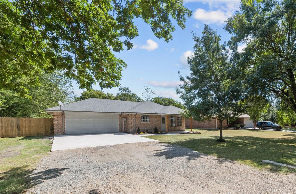 204 Church  Street, Blue Ridge, Texas 75424 - Acquisto Real Estate best frisco realtor Amy Gasperini 1031 exchange expert