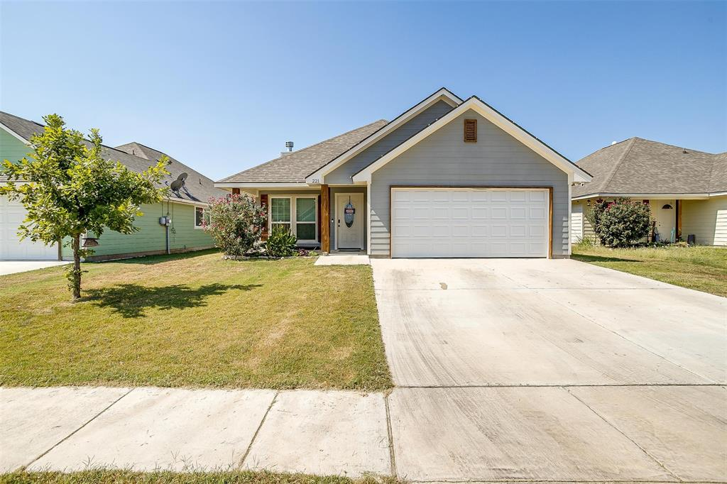 221 Lovers Path  Drive, Springtown, Texas 76082 - Acquisto Real Estate best frisco realtor Amy Gasperini 1031 exchange expert