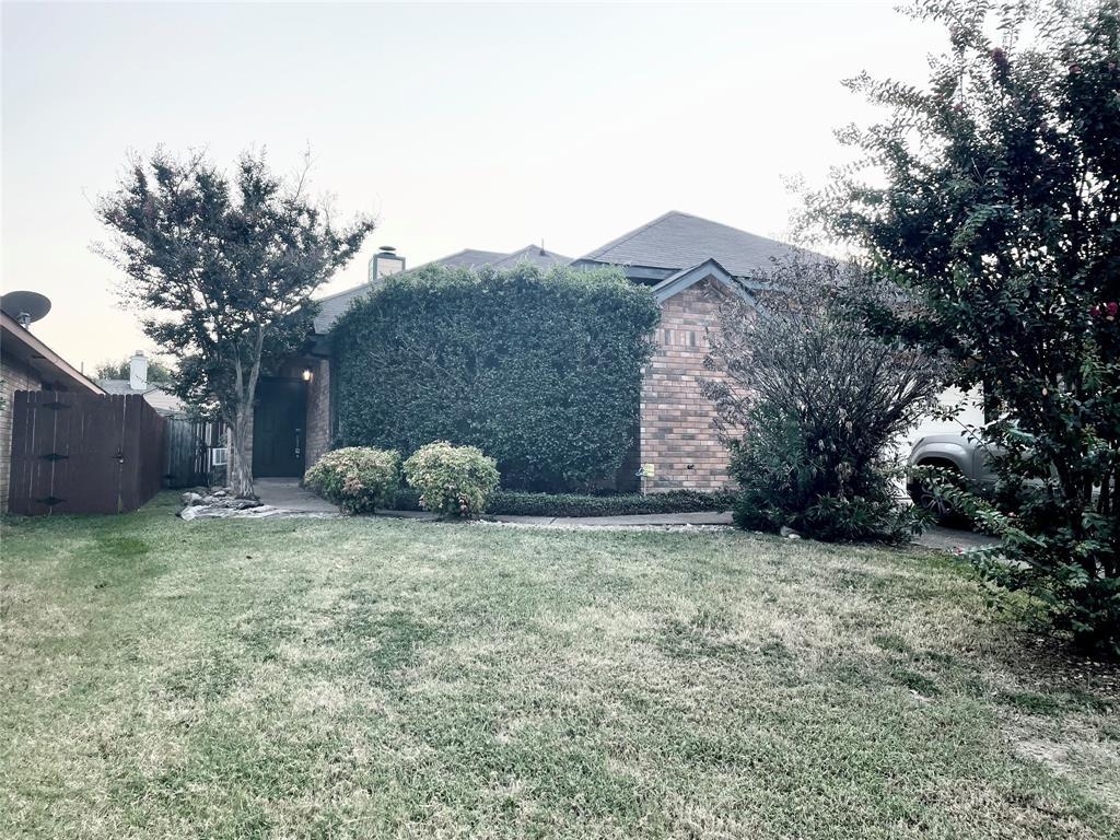 218 Ironbark  Drive, Arlington, Texas 76018 - Acquisto Real Estate best frisco realtor Amy Gasperini 1031 exchange expert