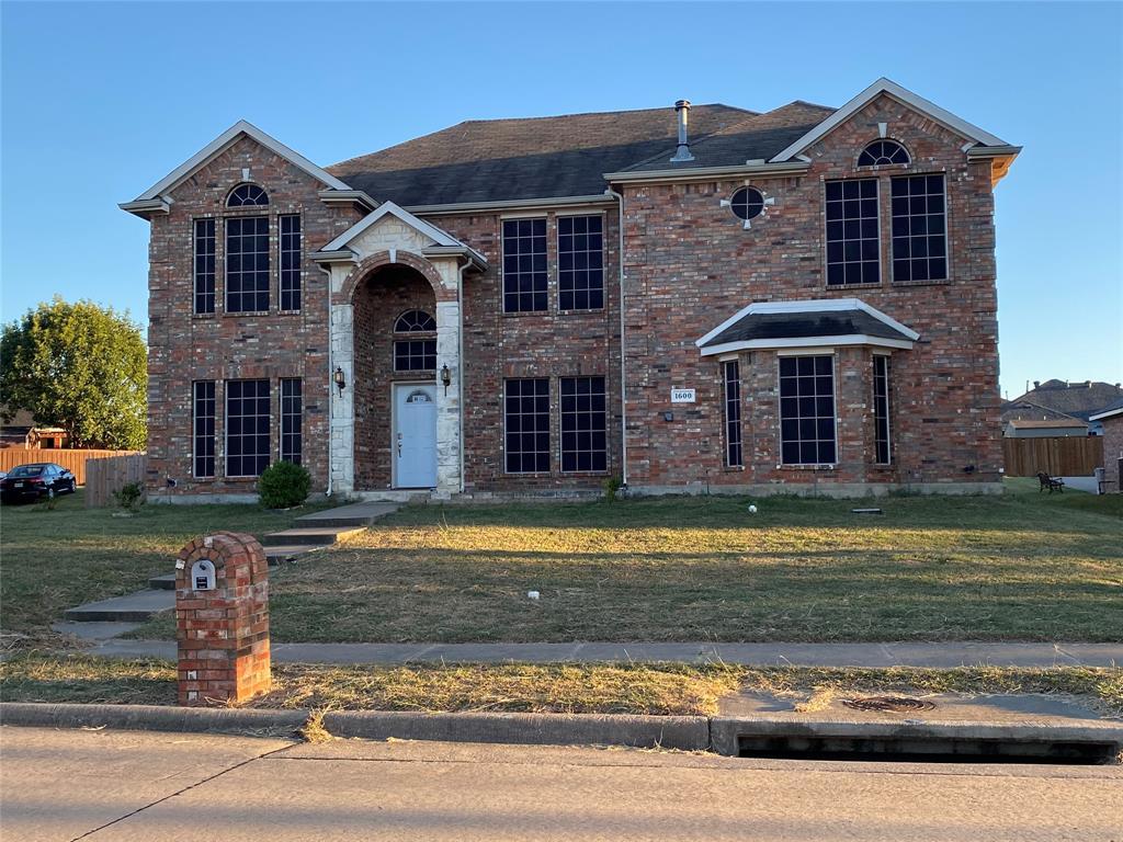 1600 Tanglerose  Drive, DeSoto, Texas 75115 - Acquisto Real Estate best frisco realtor Amy Gasperini 1031 exchange expert