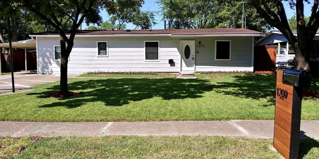 1209 Crest Park  Drive, Mesquite, Texas 75149 - Acquisto Real Estate best frisco realtor Amy Gasperini 1031 exchange expert