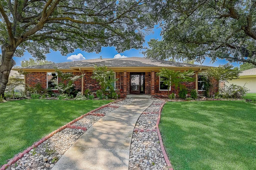 1813 Greenway  Drive, Plano, Texas 75075 - Acquisto Real Estate best frisco realtor Amy Gasperini 1031 exchange expert