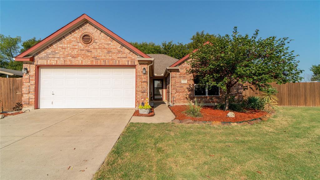 1025 Summit  Drive, Justin, Texas 76247 - Acquisto Real Estate best frisco realtor Amy Gasperini 1031 exchange expert