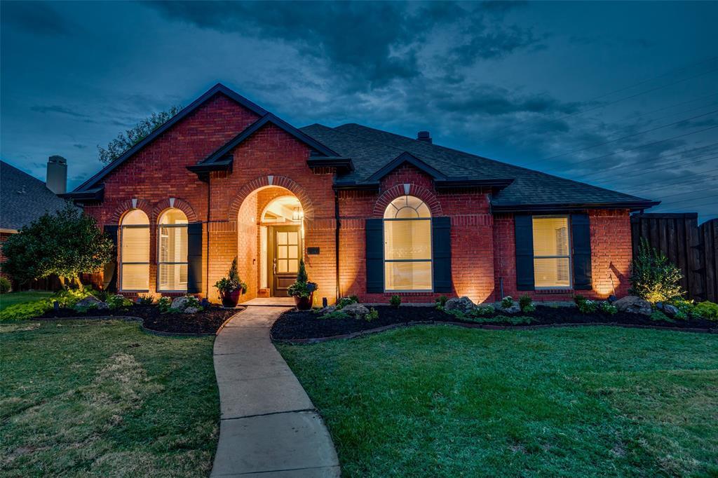 2524 Kings Gate  Drive, Carrollton, Texas 75006 - Acquisto Real Estate best frisco realtor Amy Gasperini 1031 exchange expert