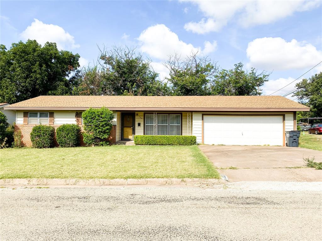 722 Starlight  Drive, Seymour, Texas 76380 - Acquisto Real Estate best frisco realtor Amy Gasperini 1031 exchange expert