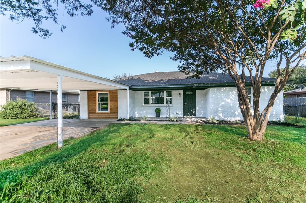4016 Caribou  Trail, Lake Worth, Texas 76135 - Acquisto Real Estate best frisco realtor Amy Gasperini 1031 exchange expert