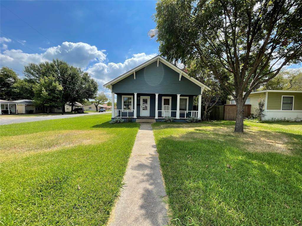 204 Burton  Street, Sherman, Texas 75092 - Acquisto Real Estate best frisco realtor Amy Gasperini 1031 exchange expert