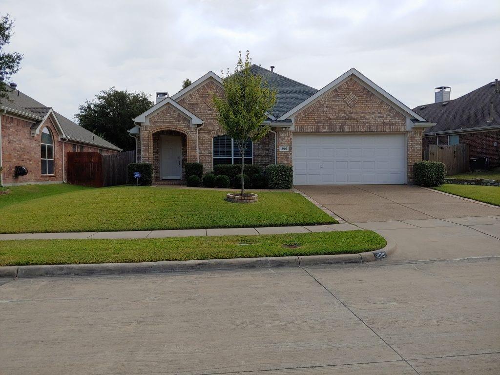 806 Dogwood  Drive, Garland, Texas 75040 - Acquisto Real Estate best frisco realtor Amy Gasperini 1031 exchange expert