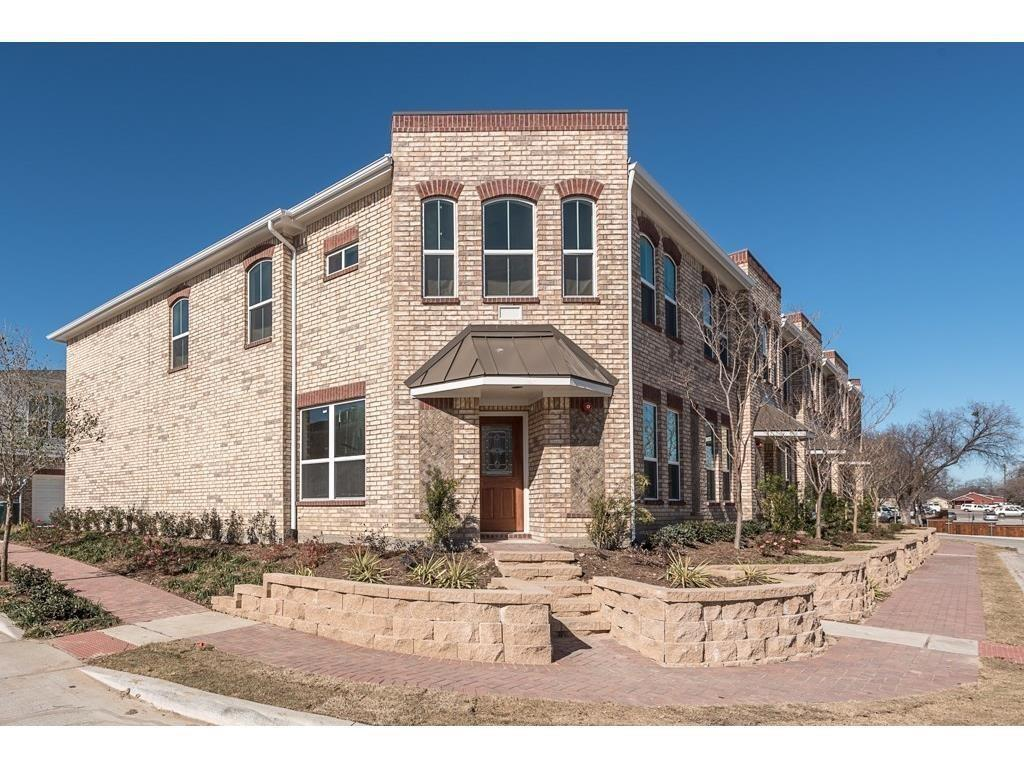 301 Lily  Lane, Lewisville, Texas 75057 - Acquisto Real Estate best frisco realtor Amy Gasperini 1031 exchange expert