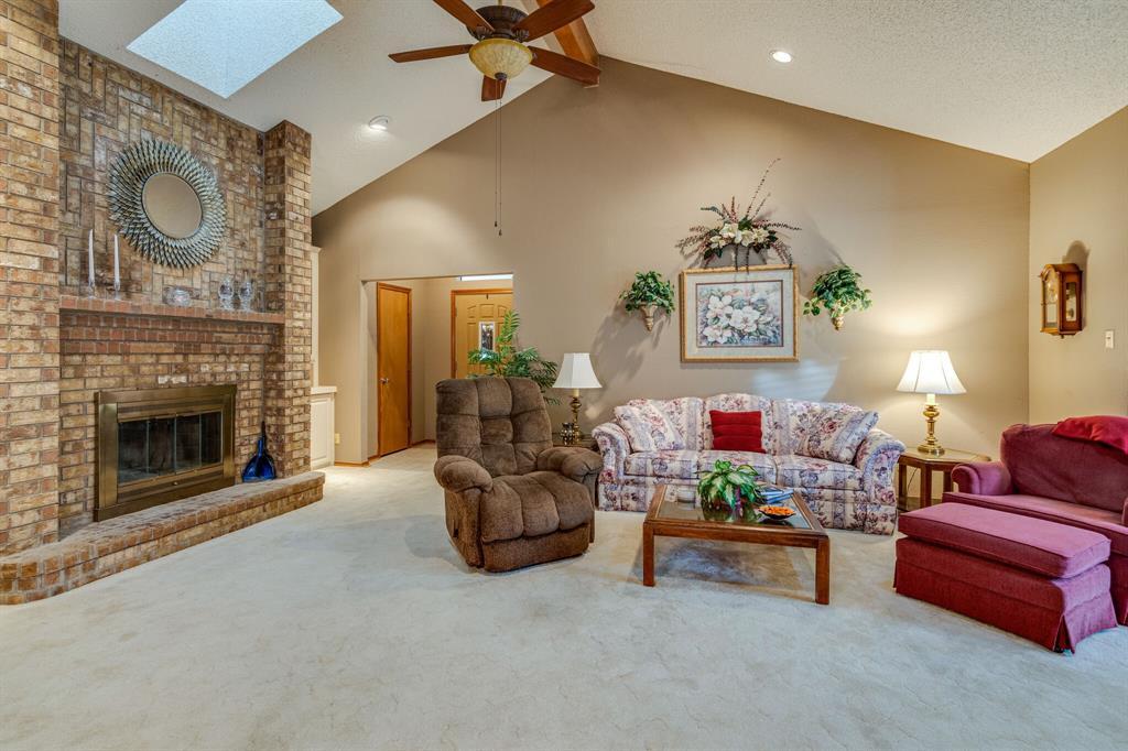217 Mountainview  Drive, Hurst, Texas 76054 - Acquisto Real Estate best frisco realtor Amy Gasperini 1031 exchange expert