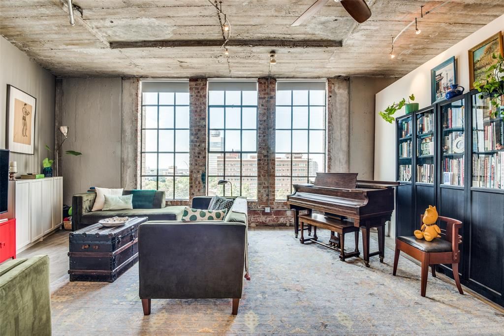 1122 Jackson  Street, Dallas, Texas 75202 - Acquisto Real Estate best frisco realtor Amy Gasperini 1031 exchange expert