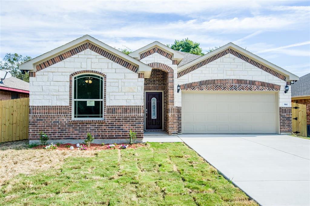 904 Merriot  Street, Ennis, Texas 75119 - Acquisto Real Estate best frisco realtor Amy Gasperini 1031 exchange expert