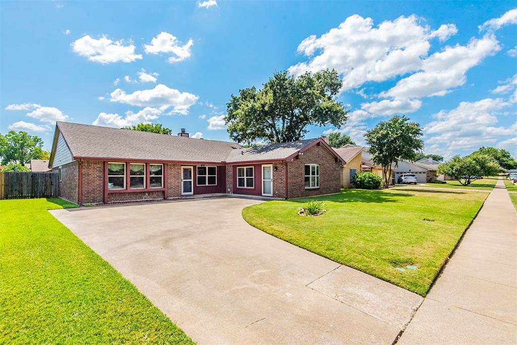 304 Springridge  Lane, Euless, Texas 76039 - Acquisto Real Estate best frisco realtor Amy Gasperini 1031 exchange expert