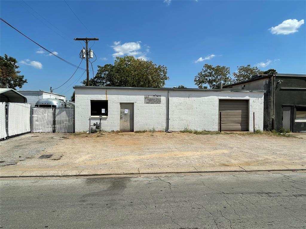 2320 Higgins  Lane, Haltom City, Texas 76111 - Acquisto Real Estate best frisco realtor Amy Gasperini 1031 exchange expert