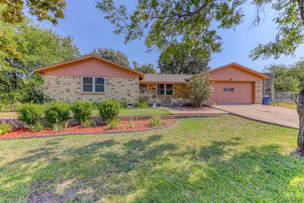 1107 Walters  Drive, Granbury, Texas 76048 - Acquisto Real Estate best frisco realtor Amy Gasperini 1031 exchange expert