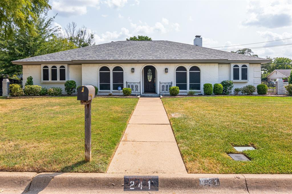 241 Circleview  Drive, Hurst, Texas 76054 - Acquisto Real Estate best frisco realtor Amy Gasperini 1031 exchange expert
