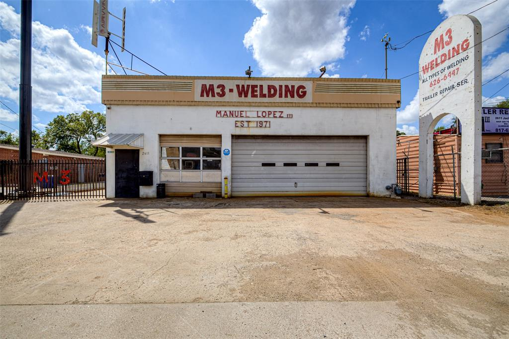 2611 JACKSBOR  Highway, River Oaks, Texas 76114 - Acquisto Real Estate best frisco realtor Amy Gasperini 1031 exchange expert