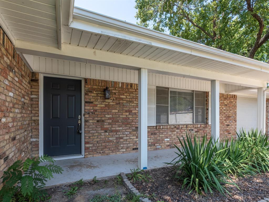 1329 Brookside  Drive, Hurst, Texas 76053 - Acquisto Real Estate best frisco realtor Amy Gasperini 1031 exchange expert