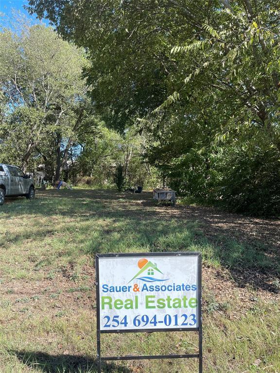 811 Park  Drive, Hillsboro, Texas 76645 - Acquisto Real Estate best frisco realtor Amy Gasperini 1031 exchange expert
