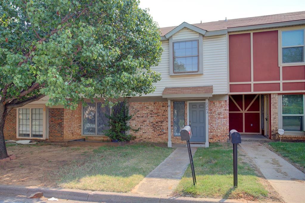 2243 Madrid  Court, Dalworthington Gardens, Texas 76013 - Acquisto Real Estate best frisco realtor Amy Gasperini 1031 exchange expert