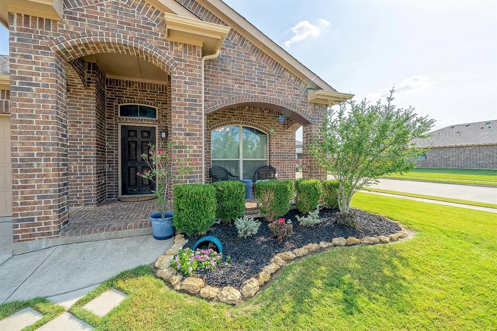 5200 Mountain View  Drive, Krum, Texas 76249 - Acquisto Real Estate best frisco realtor Amy Gasperini 1031 exchange expert