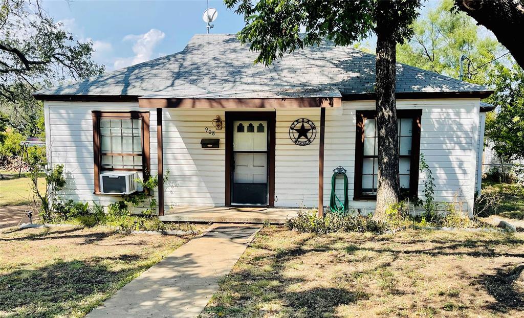 908 4th  Street, Brady, Texas 76825 - Acquisto Real Estate best frisco realtor Amy Gasperini 1031 exchange expert