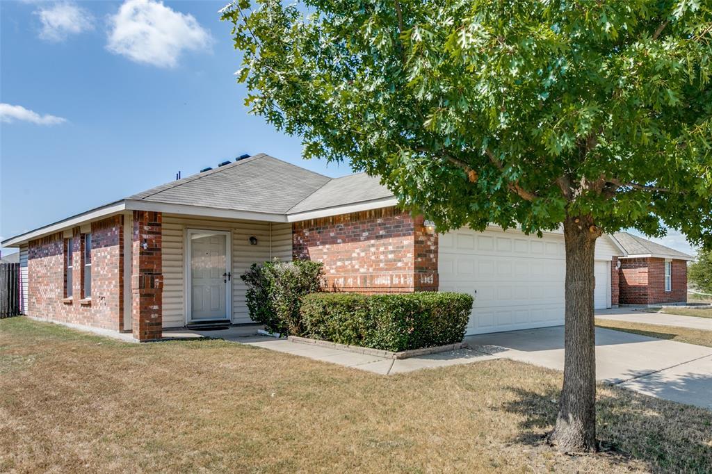 1312 Hazelnut  Drive, Fort Worth, Texas 76140 - Acquisto Real Estate best frisco realtor Amy Gasperini 1031 exchange expert