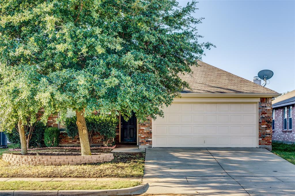 557 Creekbend  Street, Crowley, Texas 76036 - Acquisto Real Estate best frisco realtor Amy Gasperini 1031 exchange expert