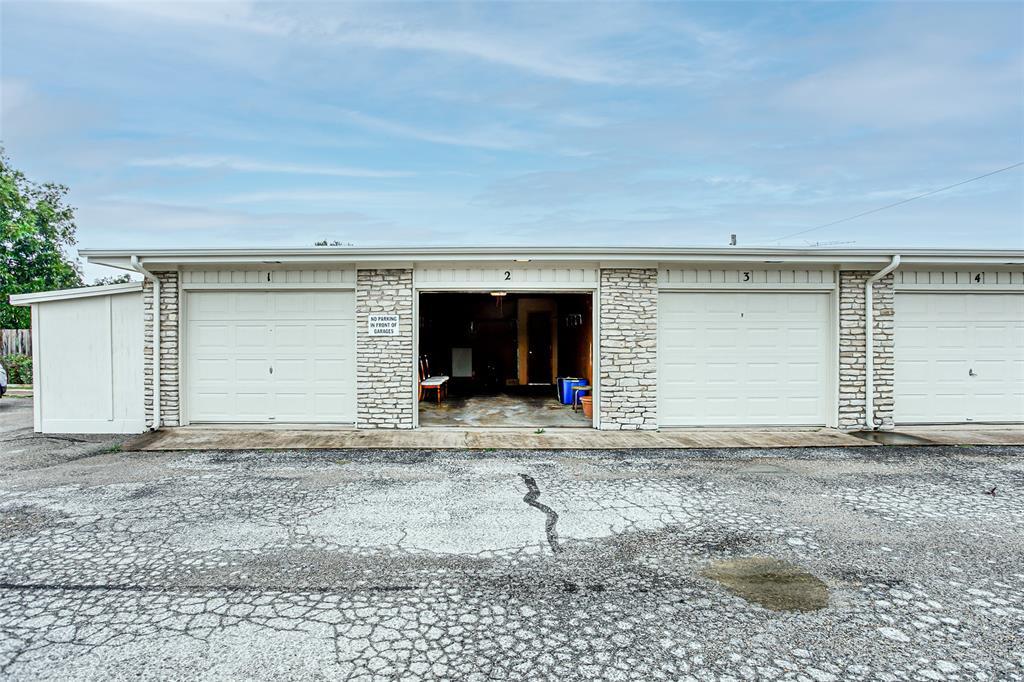 4207 Fairway  Drive, De Cordova, Texas 76049 - Acquisto Real Estate best frisco realtor Amy Gasperini 1031 exchange expert