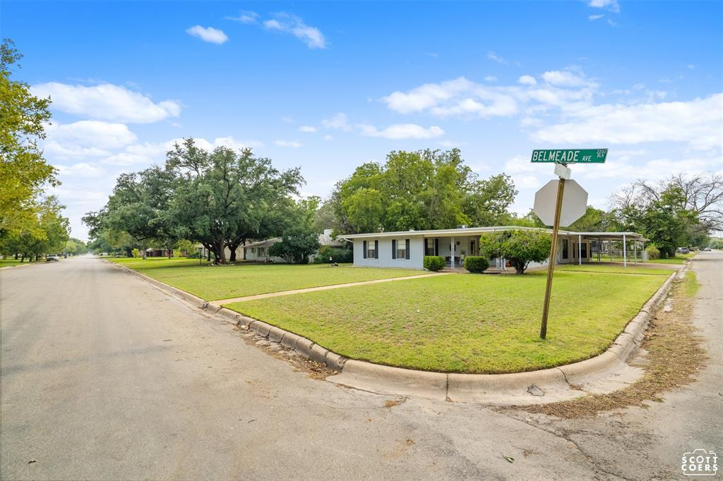 2201 Belmeade  Street, Brownwood, Texas 76801 - Acquisto Real Estate best frisco realtor Amy Gasperini 1031 exchange expert