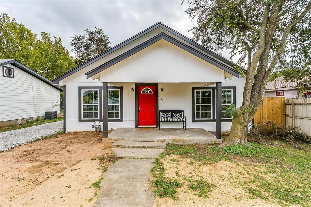 605 Poindexter  Avenue, Cleburne, Texas 76033 - Acquisto Real Estate best frisco realtor Amy Gasperini 1031 exchange expert