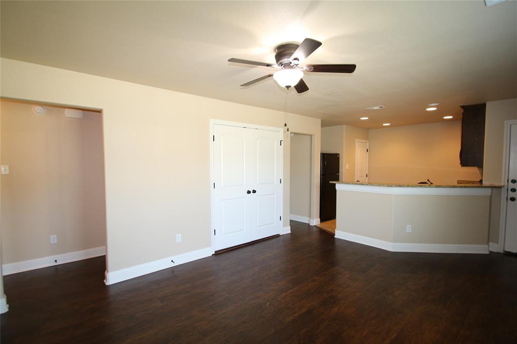 131 Sunburst  Court, Weatherford, Texas 76087 - Acquisto Real Estate best frisco realtor Amy Gasperini 1031 exchange expert