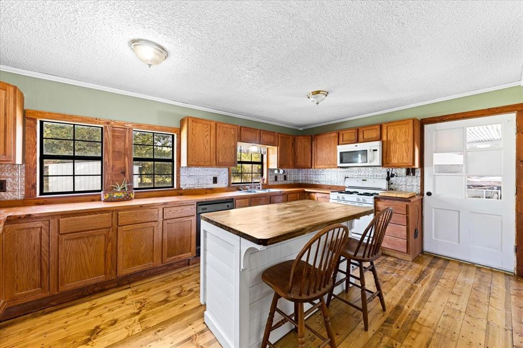 500 Alley  Street, Perrin, Texas 76486 - Acquisto Real Estate best frisco realtor Amy Gasperini 1031 exchange expert
