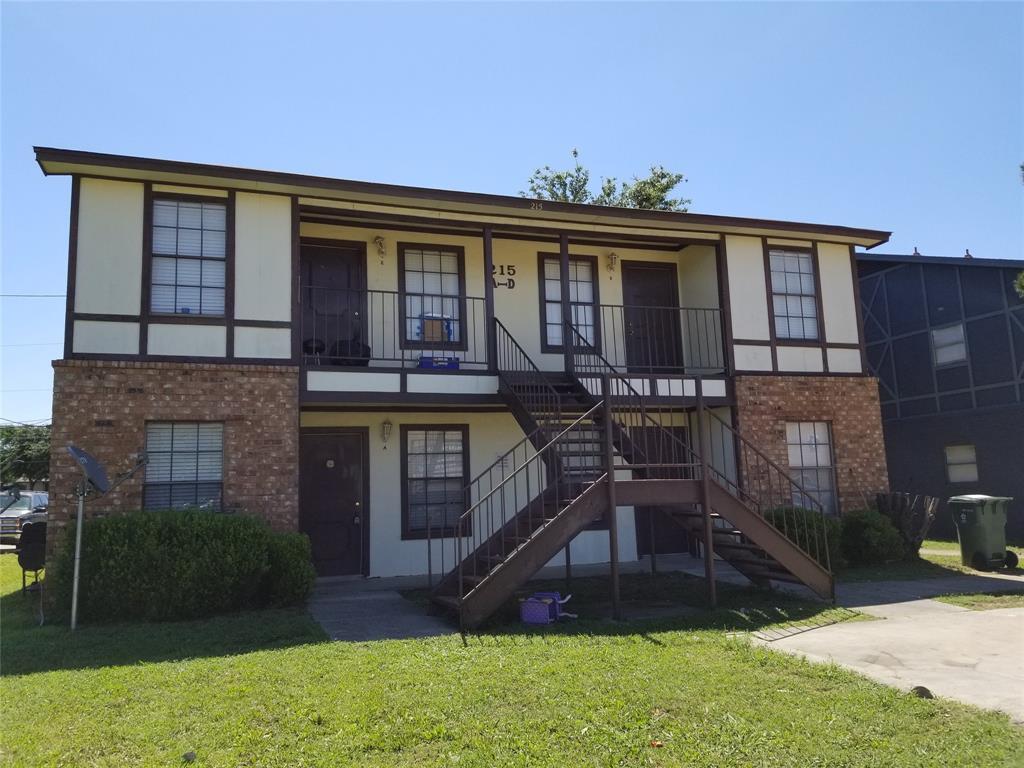 215 Roberts  Circle, Arlington, Texas 76010 - Acquisto Real Estate best frisco realtor Amy Gasperini 1031 exchange expert