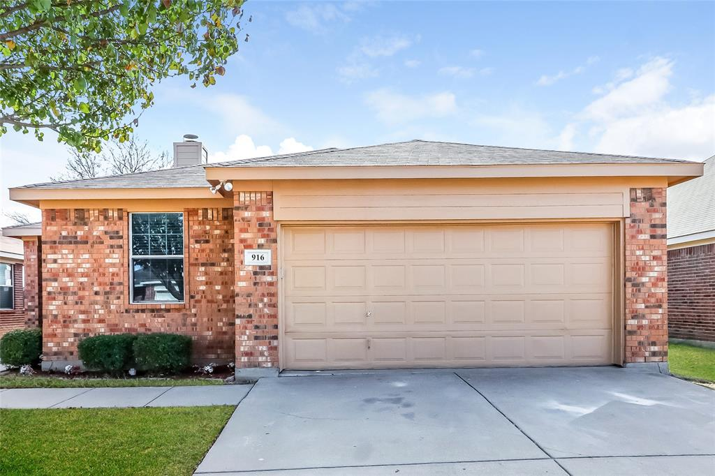 916 Buffalo Springs  Drive, Fort Worth, Texas 76140 - Acquisto Real Estate best frisco realtor Amy Gasperini 1031 exchange expert