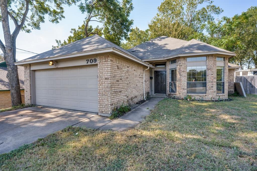 709 5th  Street, Grand Prairie, Texas 75050 - Acquisto Real Estate best frisco realtor Amy Gasperini 1031 exchange expert