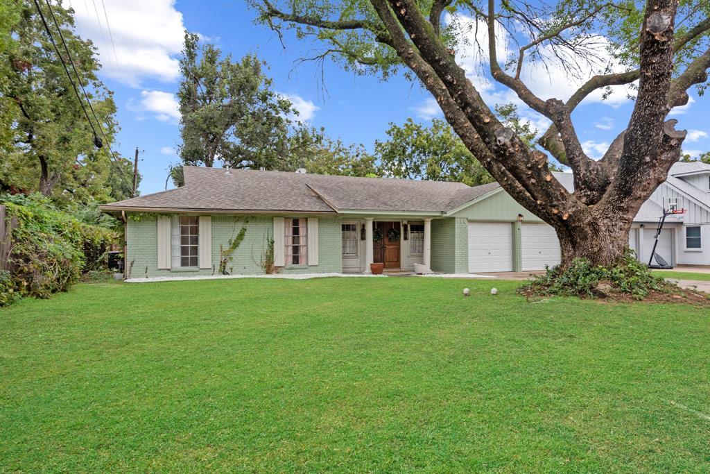 1319 Paisley  Drive, Arlington, Texas 76015 - Acquisto Real Estate best frisco realtor Amy Gasperini 1031 exchange expert