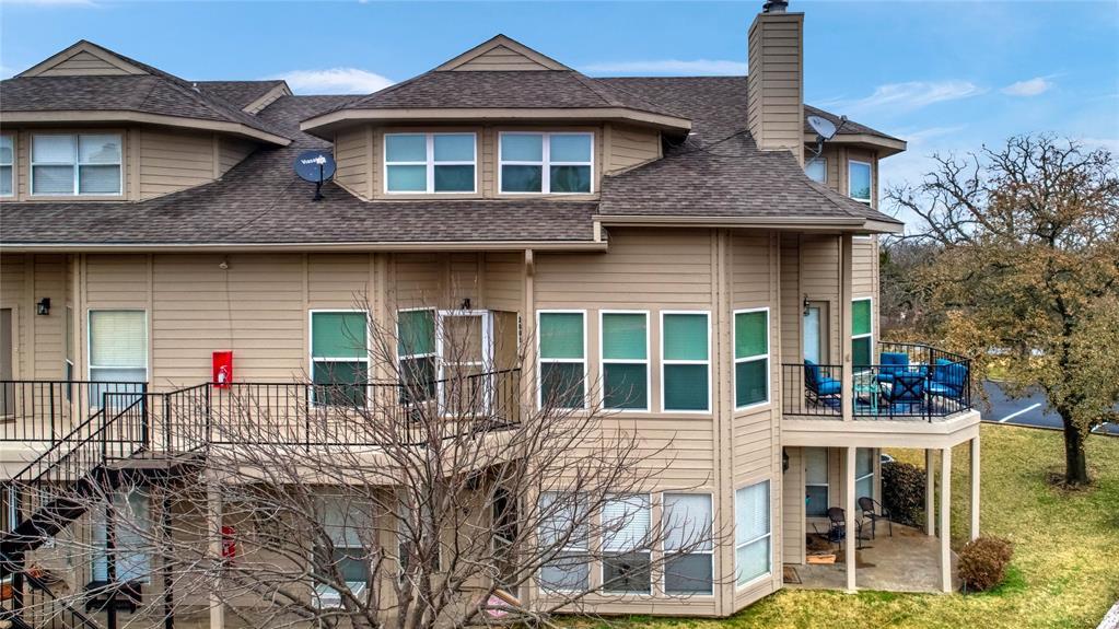 2116 Tanglewood  Boulevard, Pottsboro, Texas 75076 - Acquisto Real Estate best frisco realtor Amy Gasperini 1031 exchange expert