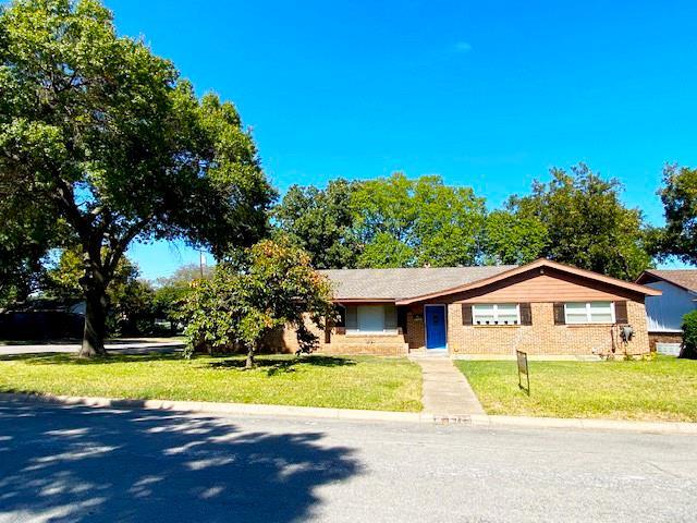 6725 Karen  Drive, North Richland Hills, Texas 76180 - Acquisto Real Estate best frisco realtor Amy Gasperini 1031 exchange expert