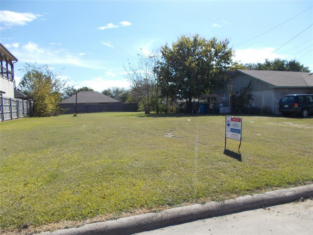 903 Melody  Circle, Kaufman, Texas 75142 - Acquisto Real Estate best frisco realtor Amy Gasperini 1031 exchange expert