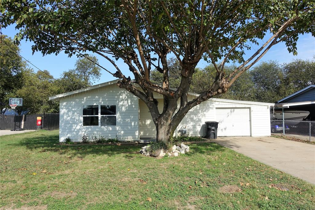 1714 Redwood  Drive, Cleburne, Texas 76033 - Acquisto Real Estate best frisco realtor Amy Gasperini 1031 exchange expert