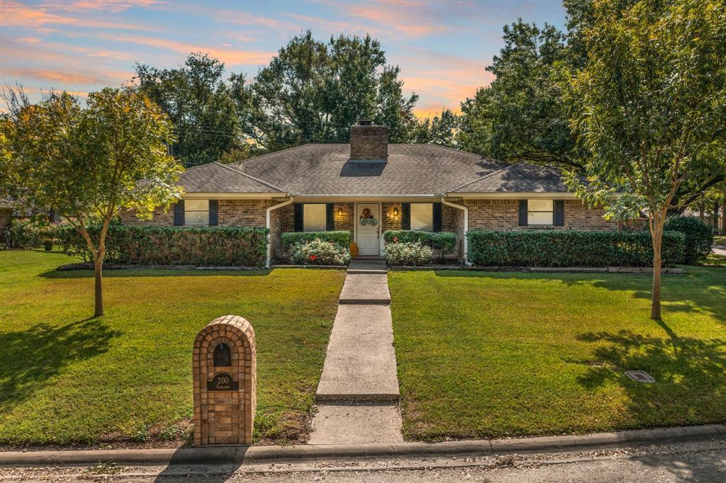 200 Garland  Drive, Hillsboro, Texas 76645 - Acquisto Real Estate best frisco realtor Amy Gasperini 1031 exchange expert