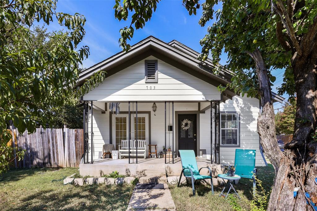 703 Winnetka  Avenue, Dallas, Texas 75208 - Acquisto Real Estate best frisco realtor Amy Gasperini 1031 exchange expert