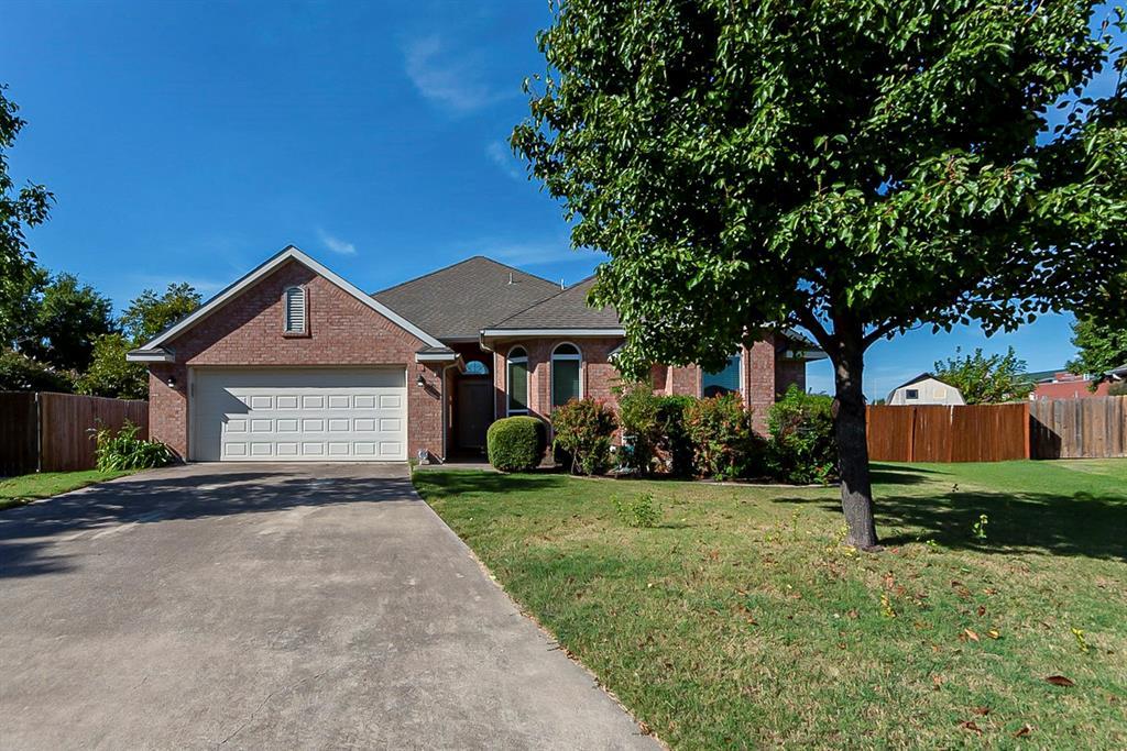 101 Canterbury  Drive, Saginaw, Texas 76179 - Acquisto Real Estate best frisco realtor Amy Gasperini 1031 exchange expert