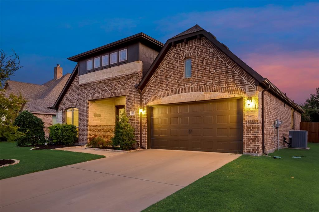 122 Holly  Street, Waxahachie, Texas 75165 - Acquisto Real Estate best frisco realtor Amy Gasperini 1031 exchange expert