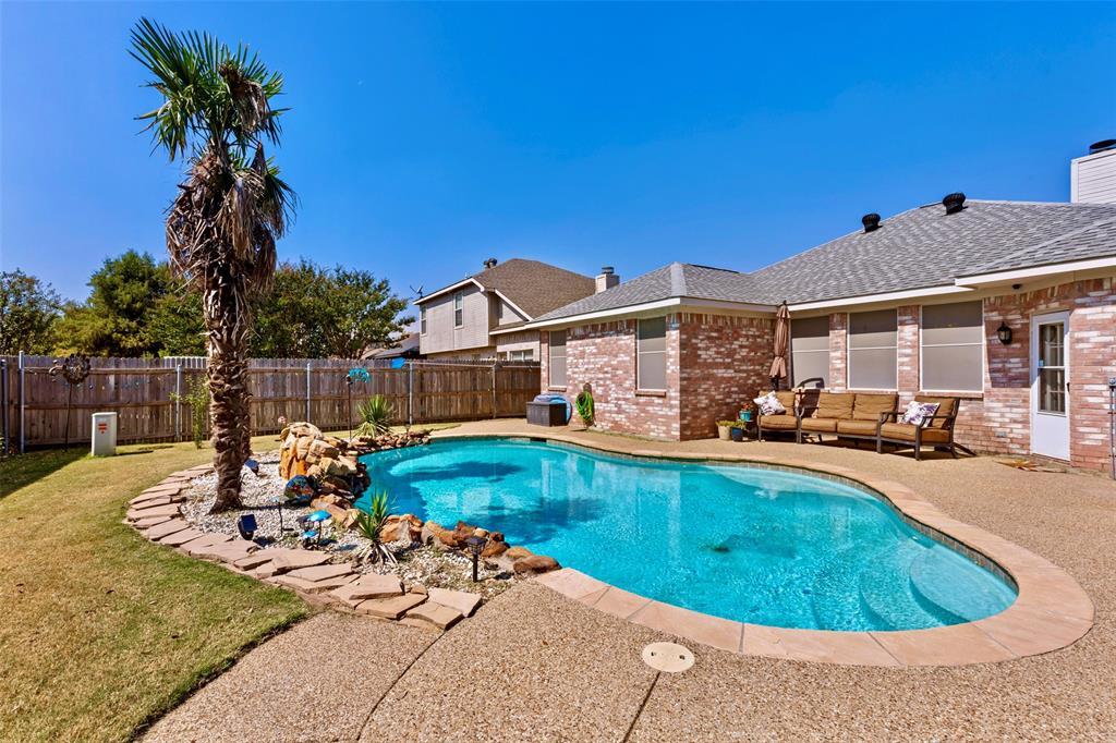 3712 Cattlebaron  Drive, Fort Worth, Texas 76262 - Acquisto Real Estate best frisco realtor Amy Gasperini 1031 exchange expert