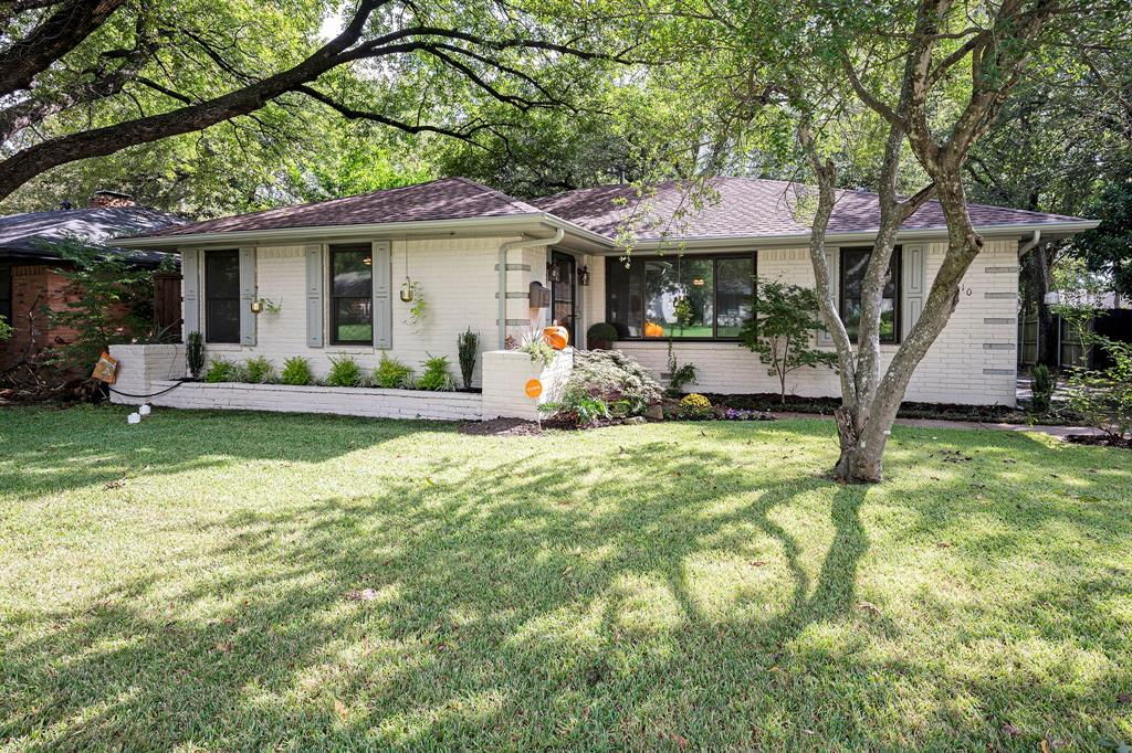 9810 Shadydale  Lane, Dallas, Texas 75238 - Acquisto Real Estate best frisco realtor Amy Gasperini 1031 exchange expert