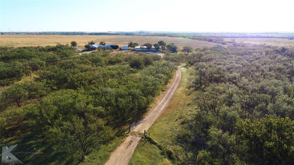 1128 Farm Valley  Road, Snyder, Texas 79549 - Acquisto Real Estate best frisco realtor Amy Gasperini 1031 exchange expert
