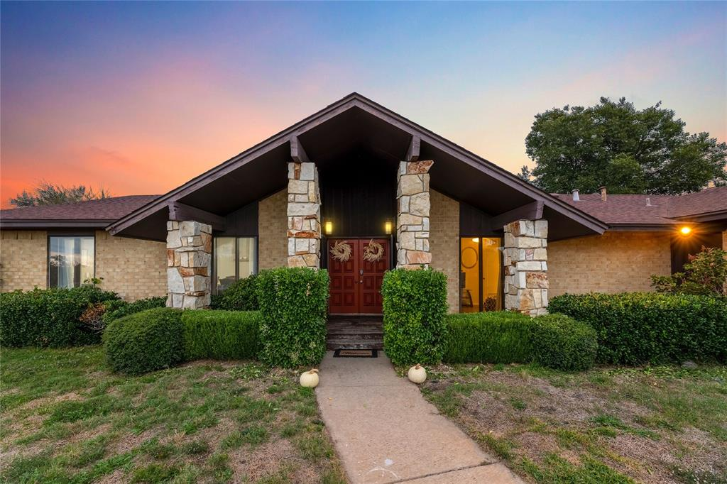 6901 Winifred  Drive, Fort Worth, Texas 76133 - Acquisto Real Estate best frisco realtor Amy Gasperini 1031 exchange expert