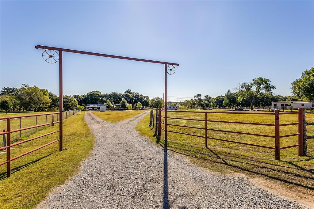 4225 Valley  Trail, Kennedale, Texas 76060 - Acquisto Real Estate best frisco realtor Amy Gasperini 1031 exchange expert